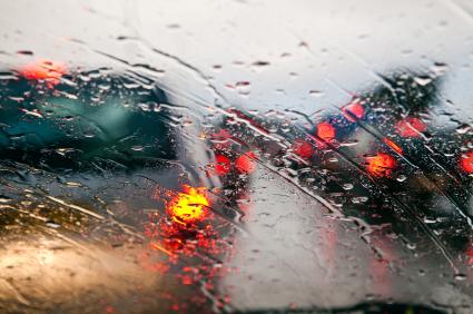 rain_driving_road_cars_iStock_000014079397XSmall[1]